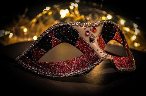 Red & Black Harlequin Mask