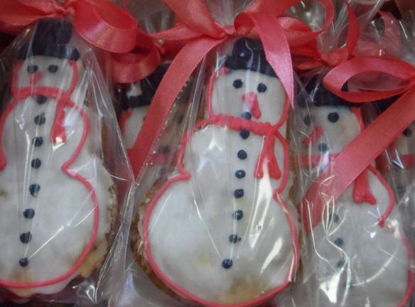 Iced Snowman Cookies