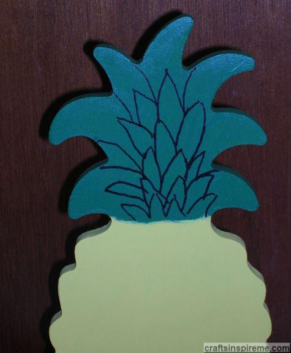 Draw Pineapple Leaf Details