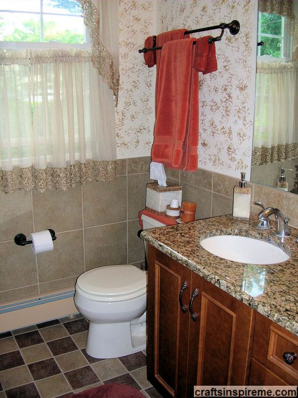Sponge Painted Bathroom